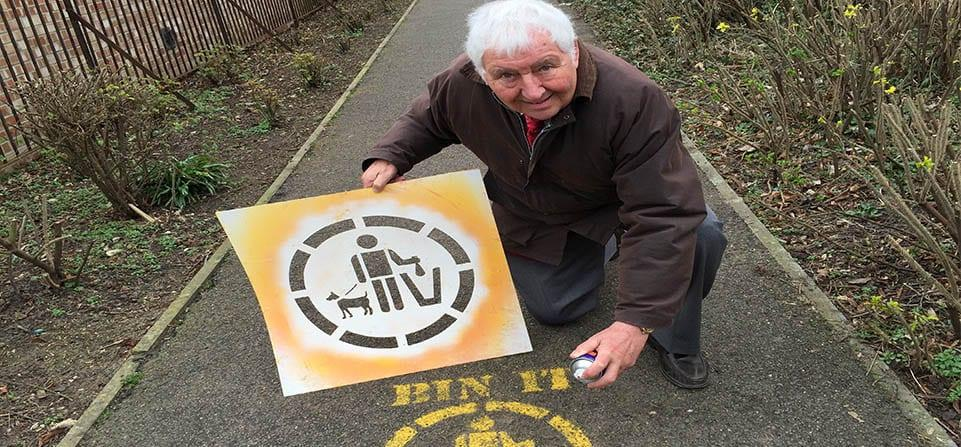 Spray paint signs used to tackle dog mess and litter problem across borough