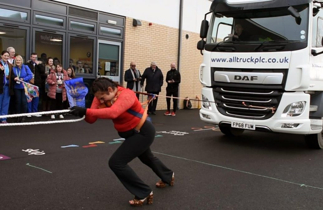 Colwick firm provide truck used to break Guinness World Record by Leicestershire 'Iron Queen' Asha Rani