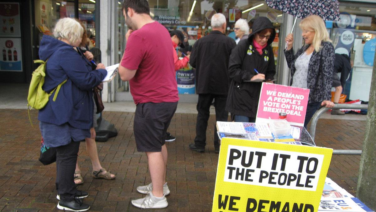 People's Vote campaigners hit streets of Mapperley calling for final say on Brexit