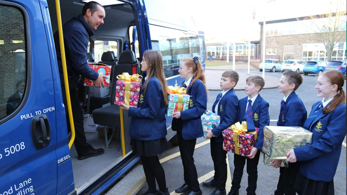 Carlton Le Willows Academy pupils spread Christmas cheer with festive foodbank appeal