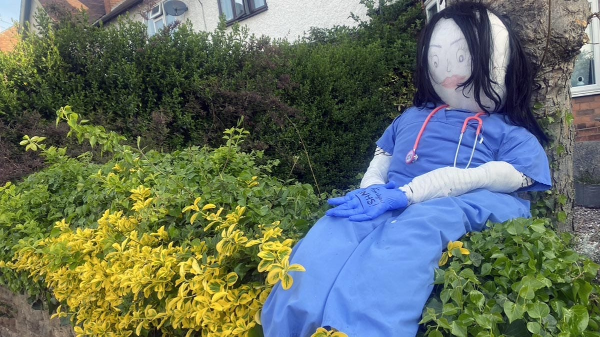 'Ex-straw-dinary': Lockdown scarecrows bring smiles to residents in Carlton
